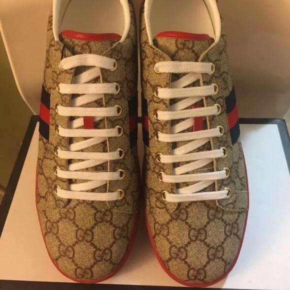 d0fc01cec66 Gucci GG Supreme Ace Sneakers. M 5b5651dfcdc7f7334ac12517